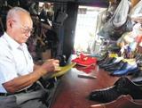 Trịnh Ngọc, le vieux cordonnier du Saigon d'antan