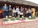 Visite culturelle pour les diplomates à Hanoï