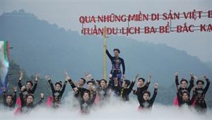 Ouverture du 9e programme touristique En traversant les régions patrimoniales de Viêt Bac