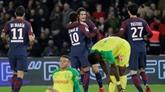 Ligue 1: Paris et Cavani se promènent, Rennes rechute