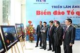 Quelque 150 photos sur la mer et les îles du Vietnam exposées à Hanoï