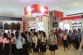 Des produits vietnamiens présentés à la Foire dimport-export du Cambodge