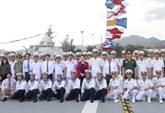 La présidente de lAssemblée nationale visite des établissements de la Marine à Cam Ranh