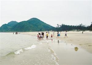 Douceur de vivre sur l'île de Quan Lan à Quang Ninh