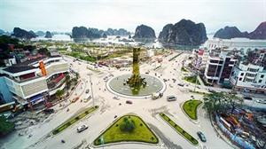Faire de Ha Long une ville côtière touristique moderne et civilisée