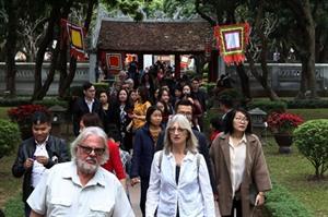 Environ 94 millions de touristes dont 16 à 17 millions d'étrangers visés cette année
