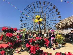 Profiter de la fête du khèn et des fleurs dans la région du Nord-Ouest
