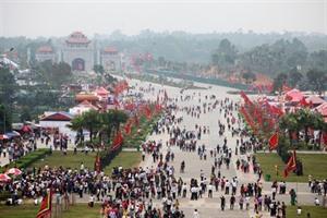 Ouverture de la fête des rois Hùng à Phu Tho