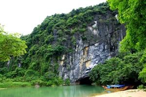 Quang Binh travaille à stimuler le développement du tourisme