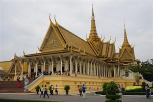 Phnom Penh propose à Bà Ria-Vung Tàu douvrir une ligne de bus touristique