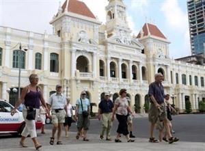 Hô Chi Minh attire plus de 7,7 millions de touristes étrangers en onze mois