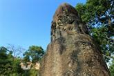 La mystérieuse colonne en pierre de la pagode Dam