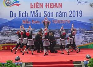 Des milliers de touristes au Festival touristique de Mâu Son 2019