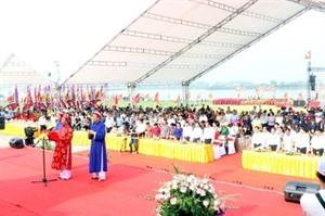 Environ 120.000 pèlerins à la fête dautomne de Côn Son - Kiêp Bac 2019