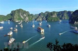 La baie de Ha Long, l'une des attractions les plus populaires en Asie