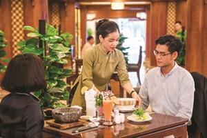 Lhôtel Rex Saigon reçoit la certification Saigon Times CSR 2019