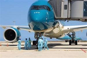 COVID-19 : Vietnam Airlines suspend les services au salon daffaires