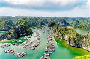 Vietnam Airlines participe à l'accélération du tourisme au Nord-Est