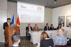 Vietnam et République tchèque renforcent leur coopération touristique