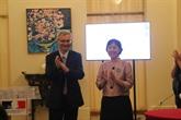 Deux Vietnamiens honorés par la France