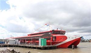 Inauguration du premier service de bateau express de Cà Mau
