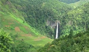 La beauté sauvage de la chute deau de Hang Tê Cho à Yên Bái