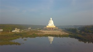 La plus haute statue de Bouddha dAsie du Sud-Est à Binh Phuoc
