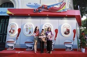 Vietjet sassocie à Hanoï pour stimuler le tourisme