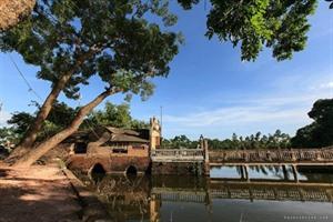Le pont de Khum : vestige d'un passé lointain