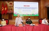 Le secrétaire général du Parti rencontre des électeurs à Hanoï