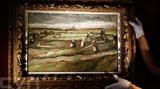 Le tableau Raccommodeuses de filets dans les dunes de Van Gogh.<br /> Photo: AFP/VNA/CVN