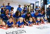 La course des bébés qui rampent Diaper Derby s'est tenue le 29 juin à New York, aux États-Unis. Photo: Xinhua/VNA/CVN