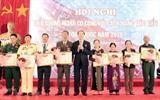 Le président Trân Dai Quang a remis les certificats aux personnes méritantes&nbsp;modèles, le 19 juillet en ville de Vung Tàu, province de Bà Ria-Vung Tàu (Sud), à l'occasion de la Journée des Invalides de guerre et des morts pour la Patrie (27 juillet).<br /> Photo: VNA/CVN<br /> <br />