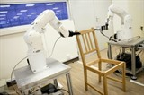 Photo du robot assembleur de chaises Ikea, fournie par l'Université de technologie de Nanyang, à Singapour. Photo: AFP/VNA/CVN