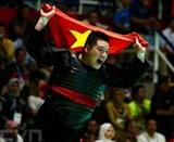 En pencak silat, Nguyên Van Trí&nbsp; a remporté la médaille d'or dans la catégorie des hommes de moins de 95 kg et contribue à quatre des médailles d'or du Vietnam, après 11 jours de compétition lors des Jeux asiatiques (ASIAD) 2018 en Indonésie.<br /> <br /> Photo: Phuc Hung/VNA/CVN