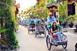 Située à 30 km de la ville de Dà Nang (Centre), la vieille ville de Hôi An, avec ses pagodes, son architecture unique et ses magnifiques anciennes demeures, attire depuis toujours de très nombreux touristes. Photo: Minh Duc/VNA/CVN<br />