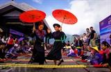 Plus de 6.000 personnes ont participé aux danses des perches à Fansipan (Lào Cai).<br /> Photo: Quôc Khánh/VNA/CVN