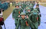 Des conscrits de la province de Phu Tho (Nord) sont prêts à faire leur service militaire le 11 février. Photo : Trung Kiên/VNA/CVN<br />