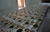 Repas préparés pour des personnes isolées arrivant ou passant par des zones épidémiques du COVID-19. Photo : Van Dung/VNA/CVN