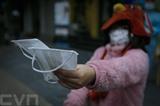 Le Vietnam garantit la fourniture de masques de protection dans la lutte contre le nCoV. Photo : Trong Dat/VNA/CVN