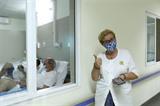 Une patiente étrangère dans une zone de quarantaine du COVID-19, le 20 mars à l'Hôpital Thanh Nhàn à Hanoï. Photo : Minh Quyêt/VNA/CVN