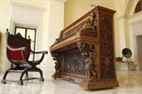 Un piano de Sienne, datant du XIXe siècle, chez son propriétaire à Césarée, dans le Nord-Ouest d'Israël. Photo : AFP/VNA/CVN