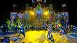 Une scène de Tata Show, un spectacle multimédia tenu à Vinpearl Land Nha Trang. Photo : VNA/CVN