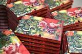 Des exemplaires du dernier roman de la Britannique J. K. Rowling dans une librairie de Londres, le 12 octobre. Photo : AFP/VNA/CVN