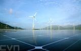 Projets éoliens et solaires dans les communes de Loi Hai et Bac Phong, province de Ninh Thuân (Centre). Photo : VNA/CVN
