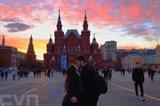 Le coucher de soleil sur la place Rouge au centre de Moscou, en Russie. Photo : VNA/CVN