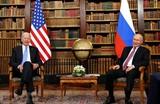 Le président américain Joe Biden (gauche) et son homologue russe Poutine à leur sommet à Genève le 16 juin. Photo : Xinhua/VNA/CVN