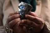 Un diamant de 1.174 carats présenté au gouvernement du Botswana à Gaborone, le 7 juillet. Photo : AFP/VNA/CVN